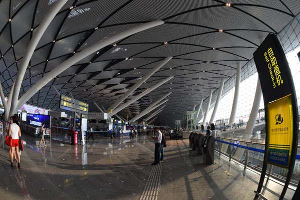 南宁机场_南宁机场推出免费乘机场大巴、住机场宾馆措施-南宁中国青年